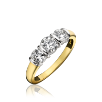 18ct Yellow Gold & Diamond 3 Stone Ring