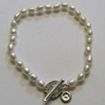 Molly Brown, small Pearly Girly bracelet.
