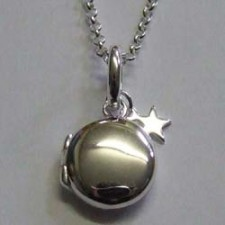 Molly Brown small silver Lulu locket.