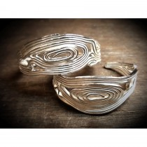 Yulan - 'Volu' Sterling Silver Cuff Bangle
