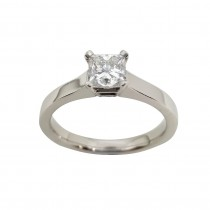 Ladies PRE OWNED Platinum & Princess Cut Diamond Solitaire Ring