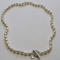 Pearly girly necklet, by Molly Brown.